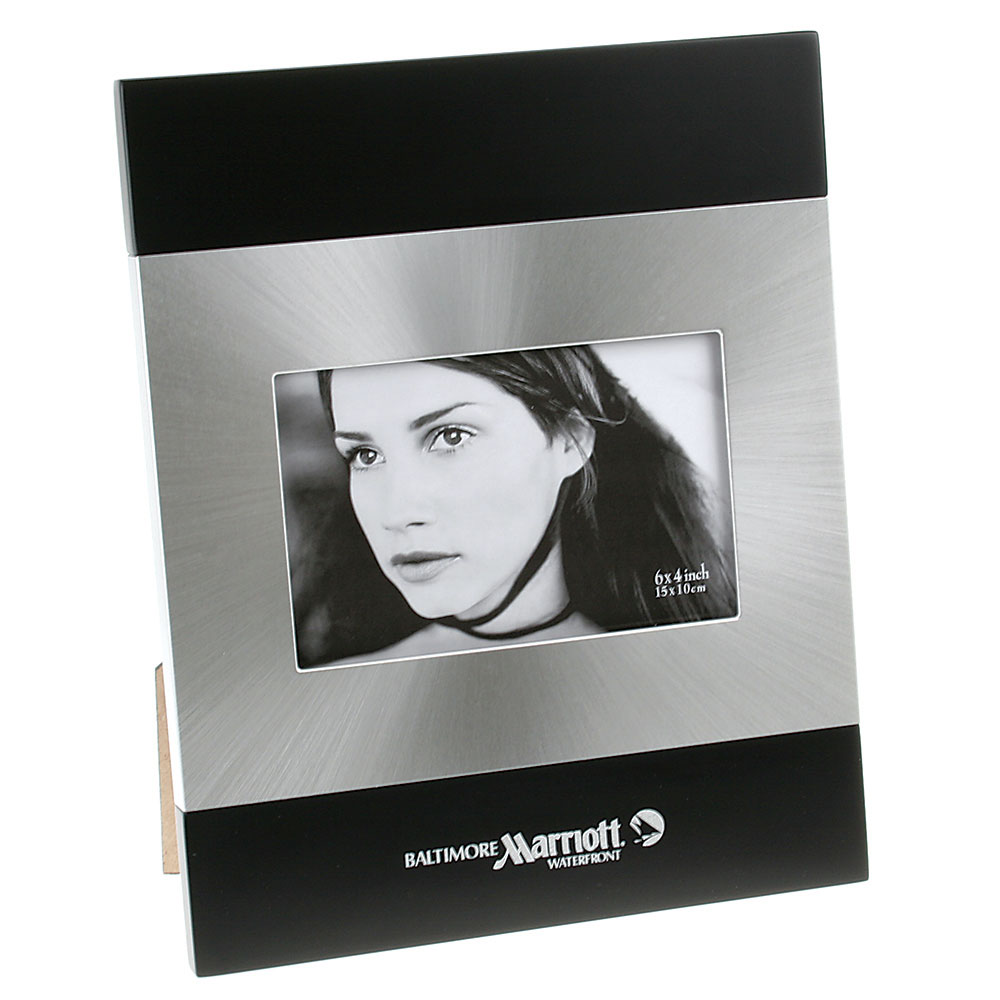 "Brushed Silver and Black Wood Finish Photo Frame (4""x6"")"